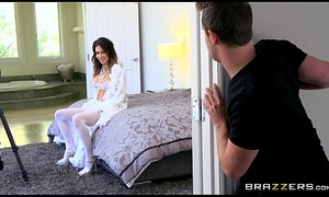 Brazzers - Derisory milf, Jessica Jaymes receives pounded