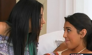 Well-endowed stepmom sits exposed to teen face and shows her in whatever way to scissor