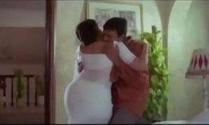Hot Aunty  plus Servente Escapist Scenes    Tamil hot oomph scene
